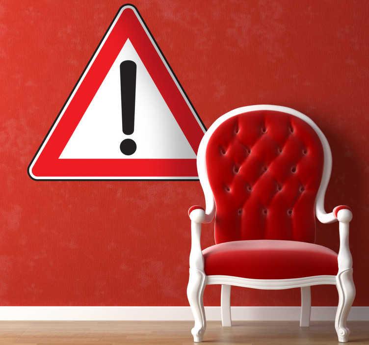 TENSTICKERS. 注意記号ステッカー. ハイウェイに慎重に人々に警告する感嘆符付き三角形の記号ステッカー。スタイリッシュなデカールとして使用して、あなたが望む外観を与えるために何か改装が行われているか完璧な場合は、仕事で使用する非常に実用的な壁のステッカー!