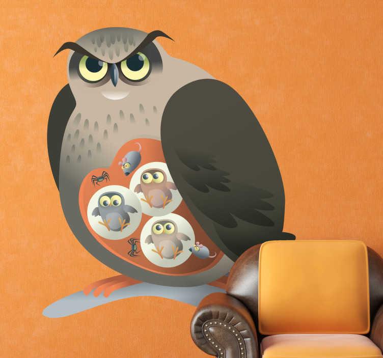 TenStickers. Naklejka dziecięca mama sowa. Naklejka dekoracyjna dla dzieci przedstawiająca rosłego ptaka ze swoimi małymi narysowanymi na brzuszku.