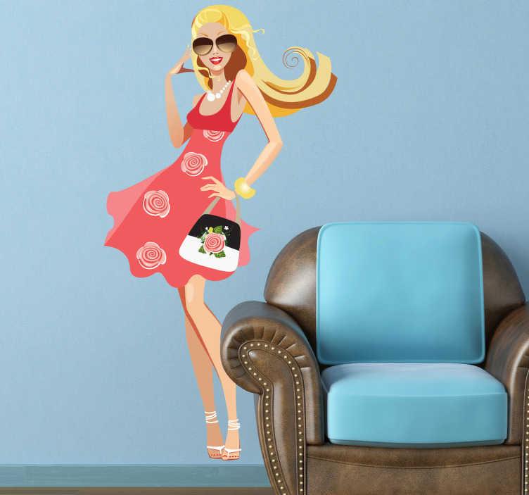 TenStickers. Blondes Model Aufkleber. Eine junge hübsche Frau mit blonden Haaren und einem pinken Kleid als Wandtattoo - ideal für Ihr Modegeschäft.