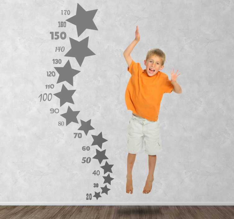 TENSTICKERS. 星の高さの図のステッカー. オリジナルのカラフルなデザインはあなたの子供の成長を測定するのに役立ちます。スターウォールステッカーのコレクションからのオリジナルデカールです。このモノクロステッカーは、あなたの子供がどれだけ成長しているかを最新の状態に保つのに最適です!