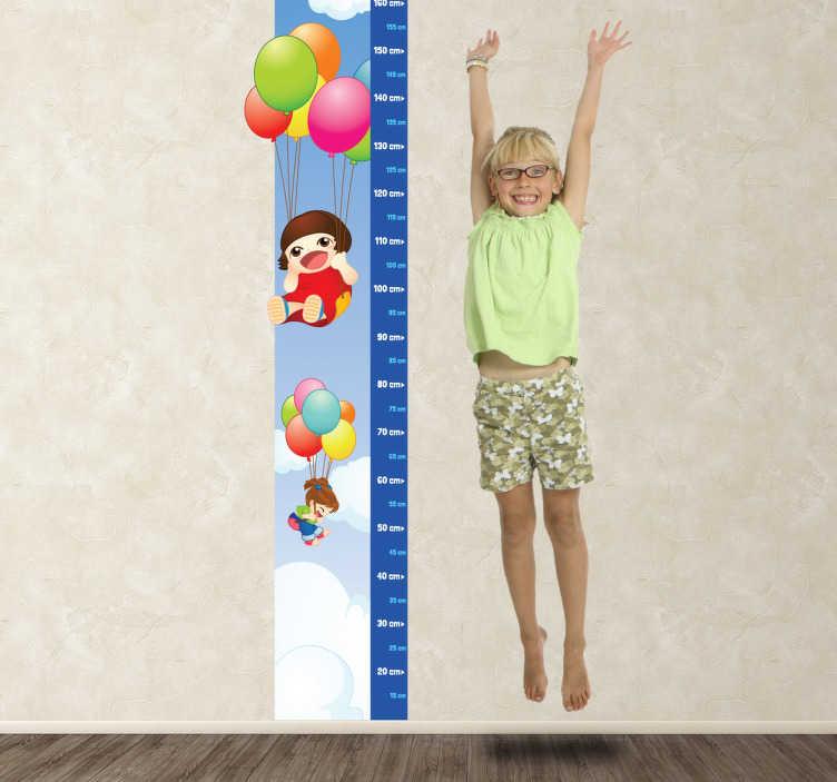 TenVinilo. Vinilo infantil medidor globos. Adhesivo de dos niñas viajando en globo con el que además podrás medir la estatura.*Este vinilo está pensado para colocarse a 10cm. del suelo para evitar los zócalos