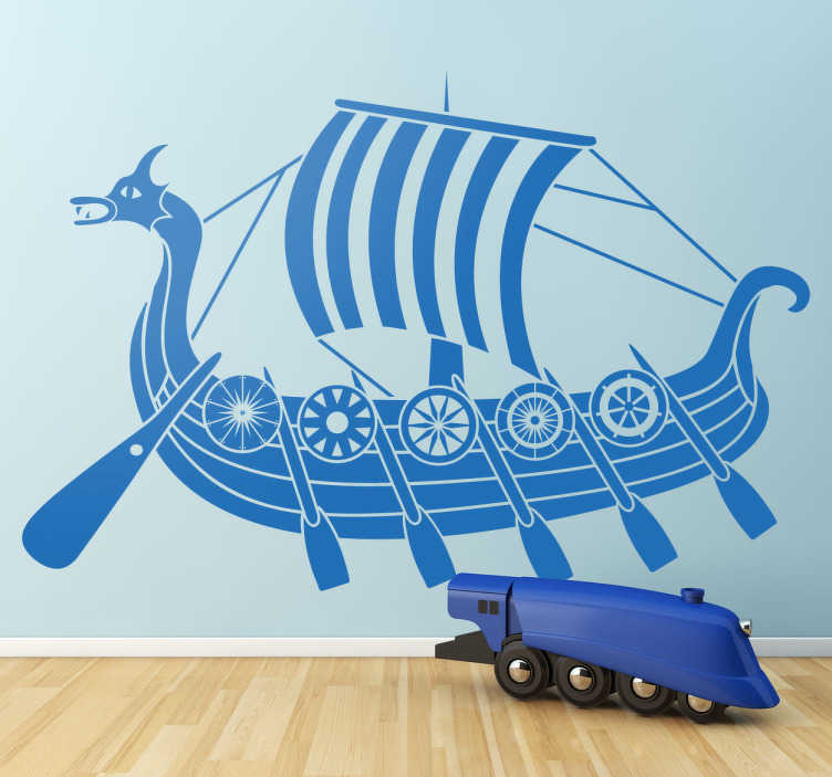 TenStickers. Wikinger Schiff Aufkleber. Dekorieren Sie Ihr Zuhause mit diesem ausgefallenen maritimen Wandtattoo als Schiff mit Drachenkopf aus der Zeit der Wikinger.