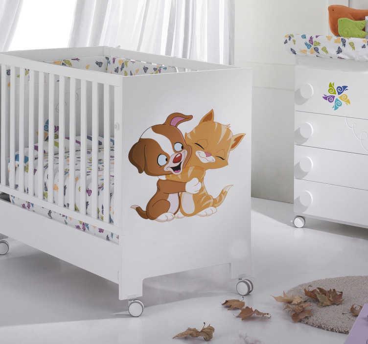 TenStickers. Sticker knuffelende kat en hond. Muursticker van een knuffelende kat en hond.  Gebruik deze wandsticker voor de decoratie van de speelhoek of slaapkamer van uw kinderen.