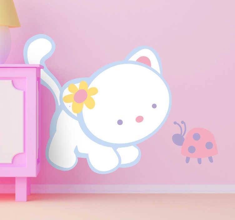 TENSTICKERS. ひな鳥と子猫のデカール. 猫とひな鳥の愛らしい友情の動物の壁ステッカー。猫の壁のステッカーは、女の子の寝室を飾るのに理想的です。