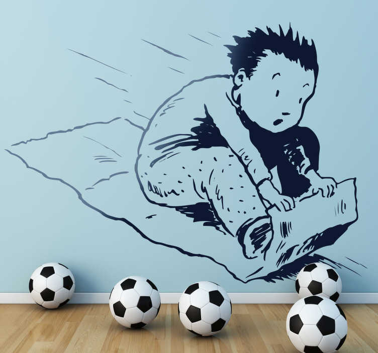 TenStickers. Sticker decorativo gioco slitta. Adesivo murale raffigurante un bambino mentre sfreccia in discesa seduto su un pezzo di cartone che usa a mo' di slitta.