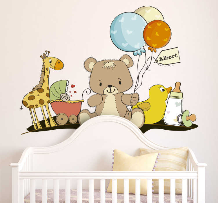 TenStickers. Adesivo bambini kit oggetti bebè. Sticker decorativo che raffigura un grazioso orsetto di peluche, dei palloncini colorati, un ciuccio, un biberon e alcuni giocattoli.