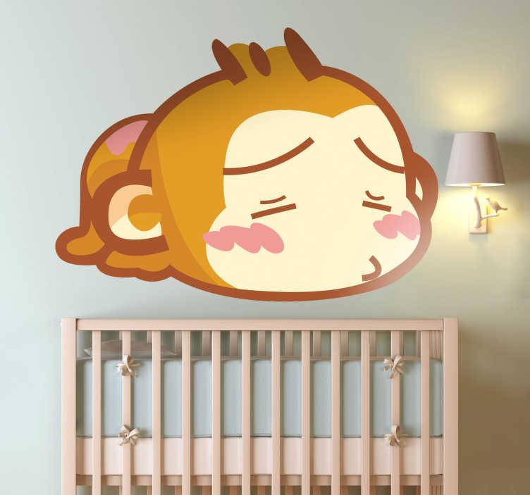 TenStickers. Adesivo bambini scimmietta sfinita. Decora la cameretta dei tuoi bambini con questo sticker che raffigura una piccola scimmietta esausta che riposa a pancia in giú.