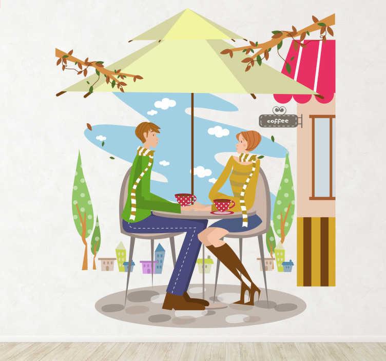 TenVinilo. Vinilo decorativo terraza otoño. Decora tu bar con este bonito dibujo adhesivo de una pareja sentada tomándose un café tranquilamente.