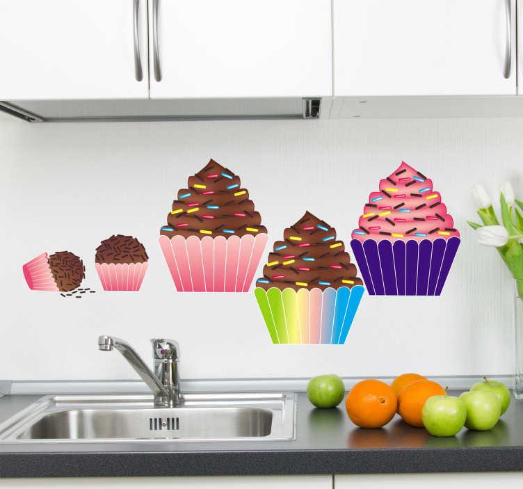 TenStickers. Sticker cupcakes. Fleur uw keuken op met behulp van deze prachtige muursticker met allerlei verschillende cupcakes, zeer mooi voor in uw keuken.