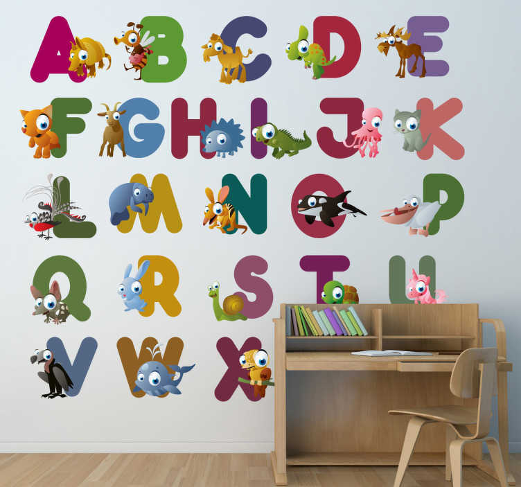 Tenstickers. Alfabet med djur barn klistermärke. En pedagogisk väggklister som illustrerar varje bokstav i alfabetet med ett djur av samma initiala. Roligt dekal för att dekorera ditt barns sovrum, plantskola eller studieområde.