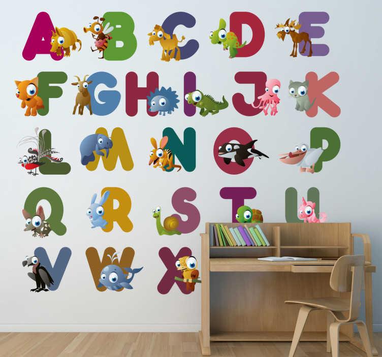 TENSTICKERS. 動物キッズステッカー付きアルファベット. 同じ頭文字の動物でアルファベットの各文字を示す教育的な壁のステッカー。あなたの子供の寝室、託児所、または研究エリアを飾るための楽しいデカール。