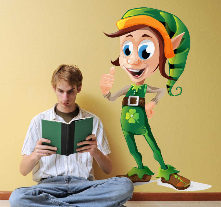 TenStickers. Irischer Elf Aufkleber. Verschönern Sie das Kinderzimmer mit diesem ausgefallenen irischen Elfen. Dieses Wandtattoo ist auch ideal zur Dekoration am St. Patrick's Day.