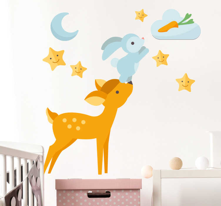 TenStickers. Adesivo cameretta coniglio volante. Sticker decorativo con un coniglietto che, dal musetto di un cerbiatto, cerca di prendere una carota sulle nuvole.