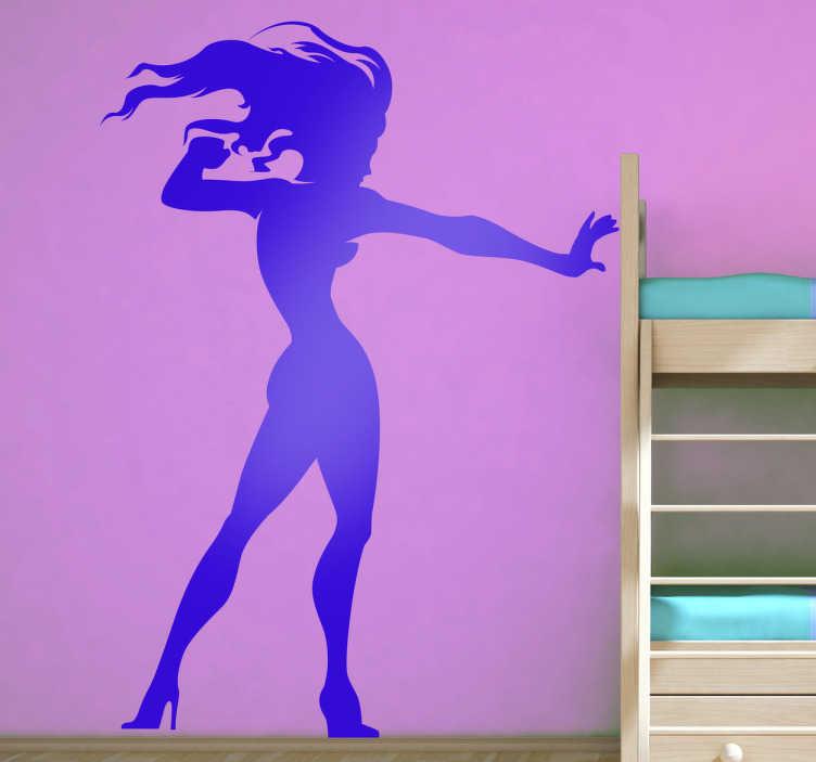 TenStickers. Naklejka wojownicza kobieta. Naklejka inspirowana komiksowym stylem, przedstawiająca sylwetkę kobiety jako superbohaterki.