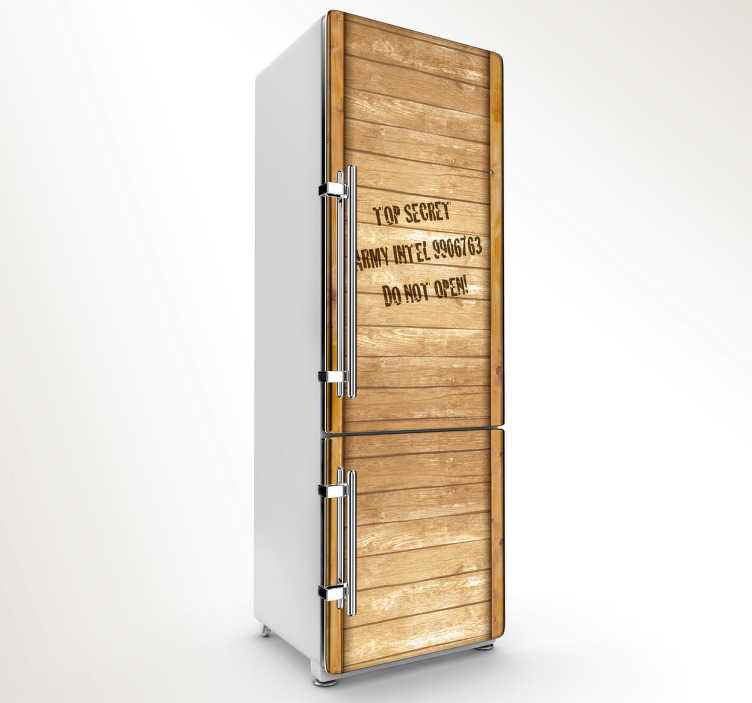 TenStickers. Sticker decorativo frigo Indiana Jones. Adesivo decorativo con la cassa di legno nella quale era racchiusa la famosa Arca dell'Alleanza del film Indiana Jones.Dedicato a tutti i fan.