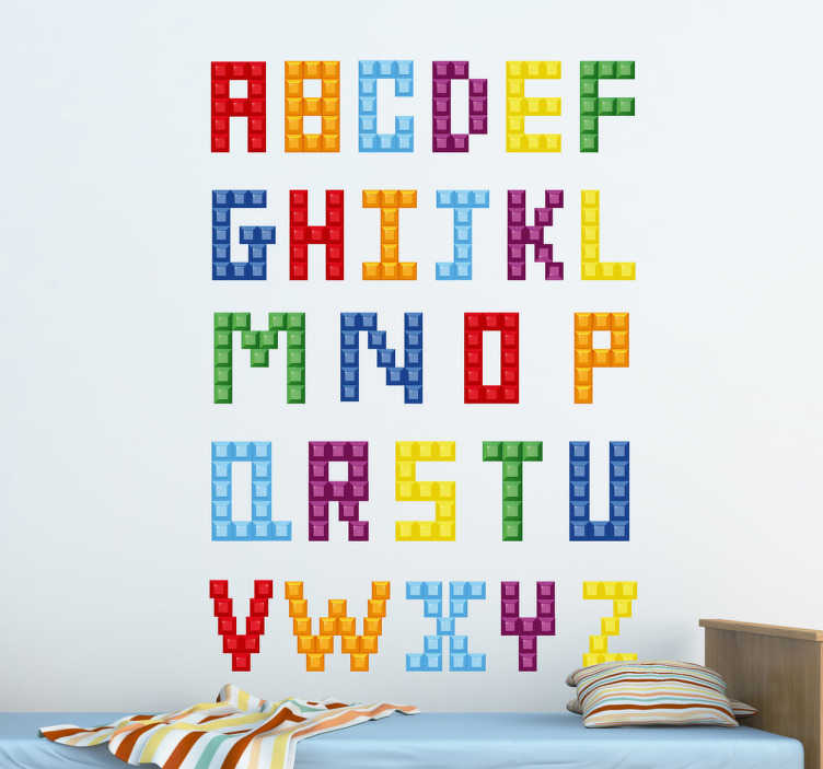 TenStickers. Kinder Wandtattoo Lego-Alphabet. Gestalten Sie das Kinderzimmer mit diesem tollen ausgefallenen Alphabet als Wandtattoo! Die Buchstaben bestehen aus einem Legosteinen Design.
