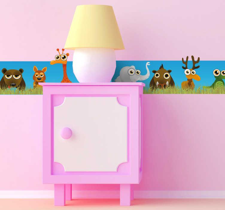 TenStickers. Safari živali združena stenska nalepka. Otroška mejna nalepka - nalepka za safari na steni, ki prikazuje slone, jelena, leve, zebre, krokodile in še več, združene na enem mestu. Popolna barvita robna deklica za dekoracijo otroške sobe na zabaven in edinstven način!