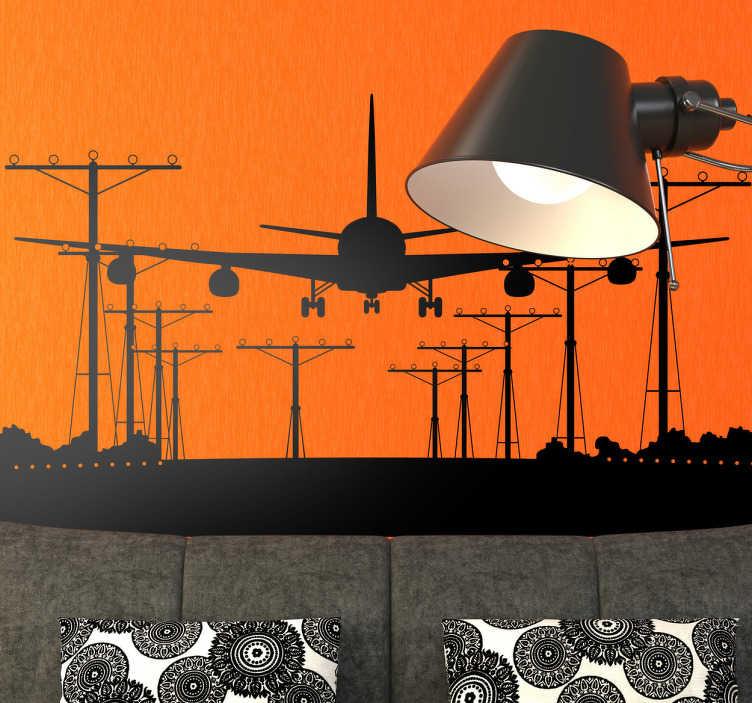 TenStickers. 비행기 및 공항 활주로 실루엣 벽 스티커. 벽 스티커-활주로에 착륙하는 비행기의 실루엣 디자인. 공간을 꾸미기에 독특하고 이상적입니다. 크기와 색상을 선택하십시오.
