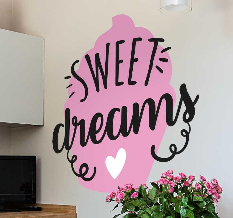 """TenStickers. Sticker keuken meisje cupcake madeleine. Decoreer uw keuken met deze leuke muursticker van een cupcake , met hierbij de Engelse tekst met een hartje """" Sweet Dreams """"."""