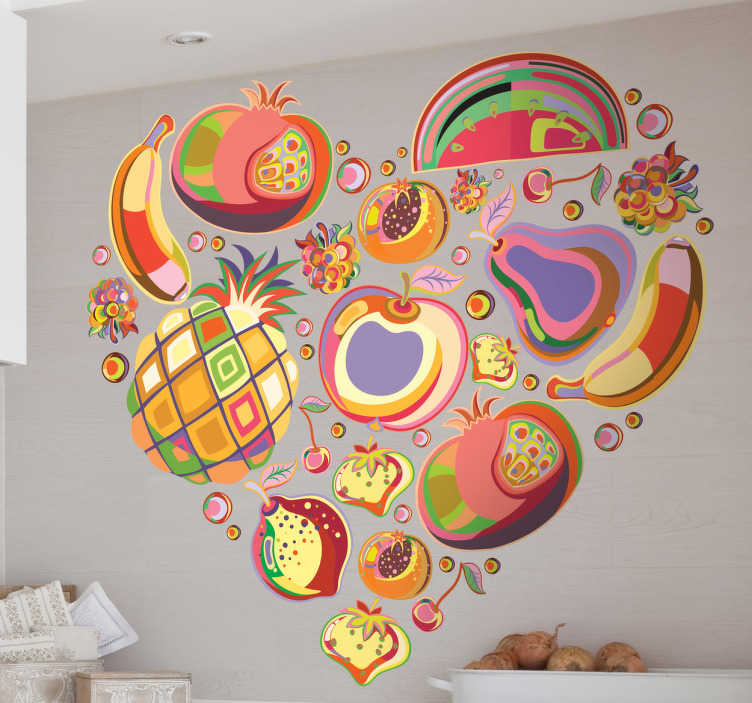TenStickers. Naklejka na ścianę serce z owocami. Sztuka, miłość i zdrowe jedzenie. Całą tę kombinację znajdziesz w naszej kolorowej naklejce dekoracyjnej. Interesujący pomysł na zmianę oblicza kuchni.