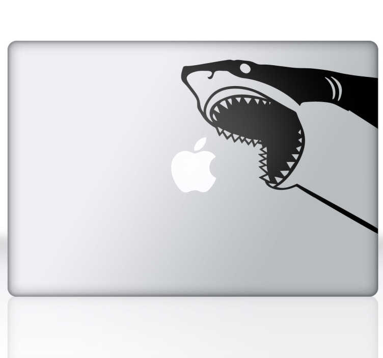 TenStickers. sticker pc pesce squalo. Sticker pesce squalo per pc con la sagoma del predatore più temuto dei mari con le fauci ben aperte intento a divorare la mela del tuo Mac Book Fantastico adesivo Macbook disponibile in diverse misure