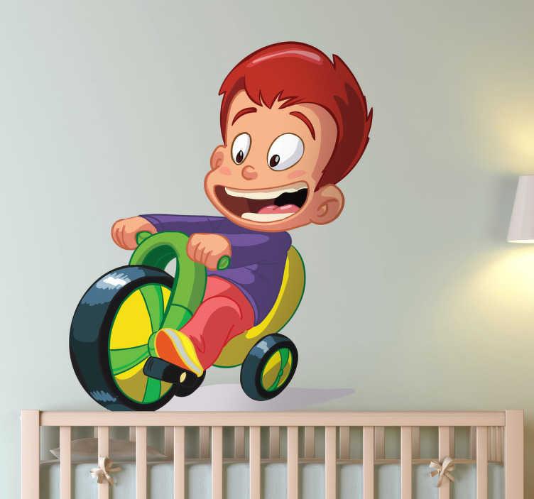 TenStickers. Naklejka przejażdzka rowerem. Naklejka na ścianę z chłopcem jadącym trzykołowym rowerem. Świetne rozwiązanie na ożywienie pokoju Twojej pociechy.