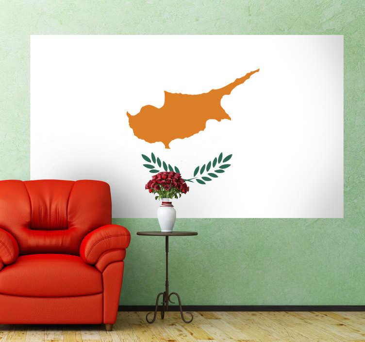 TenStickers. Naklejka flaga Cypru. Naklejka na ścianę z flagą Cypru. Dekoracja ścienna do każdego wnętrza. Figura przypominająca kształtem wyspę Cypr oraz dwie zielone gałązki oliwne na białym tle.