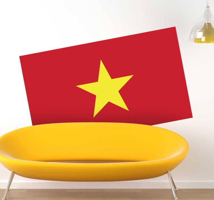TenStickers. Muursticker vlag Vietnam. Deze sticker illustreert de vlag van Vietnam, ideaal voor grote fans van dit land. Afmetingen aanpasbaar. +10.000 tevreden klanten.