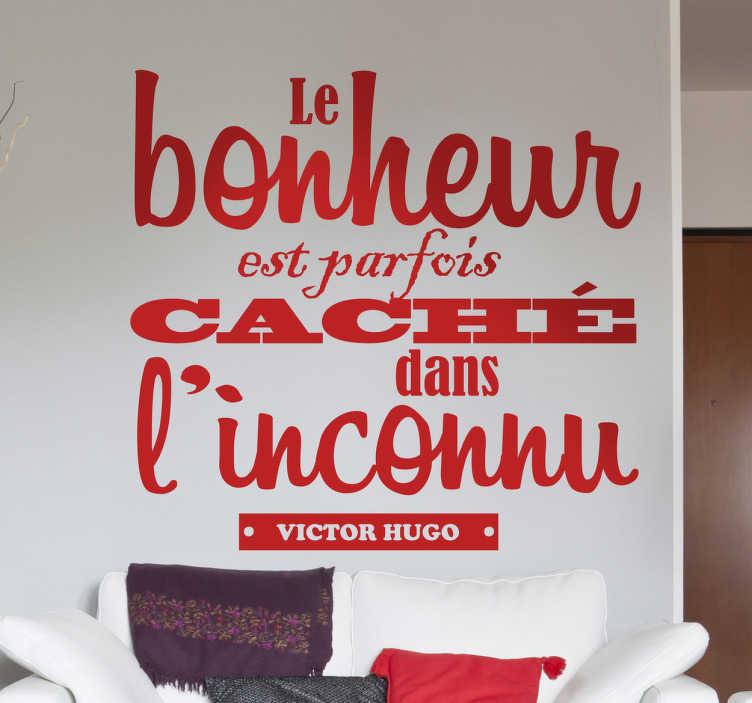 """TenStickers. Sticker décoratif citation Victor Hugo. Texte en adhésif du célèbre auteur français des """"Misérables"""", Victor Hugo.Sélectionnez les dimensions de votre choix pour personnaliser le stickers à votre convenance.Jolie idée déco pour les murs de votre intérieur de façon simple et élégante."""