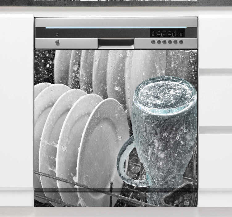 Tenstickers. Diskmaskin klistermärke. Någonsin tänkt på att dekorera din diskmaskin? Nå, nu är det möjligt med denna fantastiska diskmaskindekal som illustrerar tallrikar och koppar. Lätt att applicera och lämnar ingen rest vid avlägsnande.