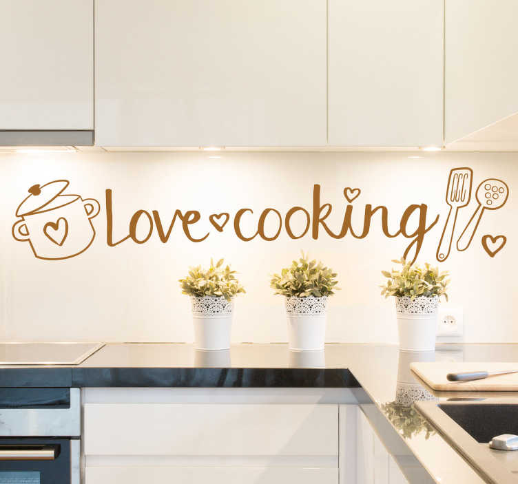 TenStickers. 爱烹饪贴纸. 一个可爱的单色贴花,展示了锅和平底锅来装饰你的厨房。那些喜欢烹饪的人很棒的厨房贴纸!