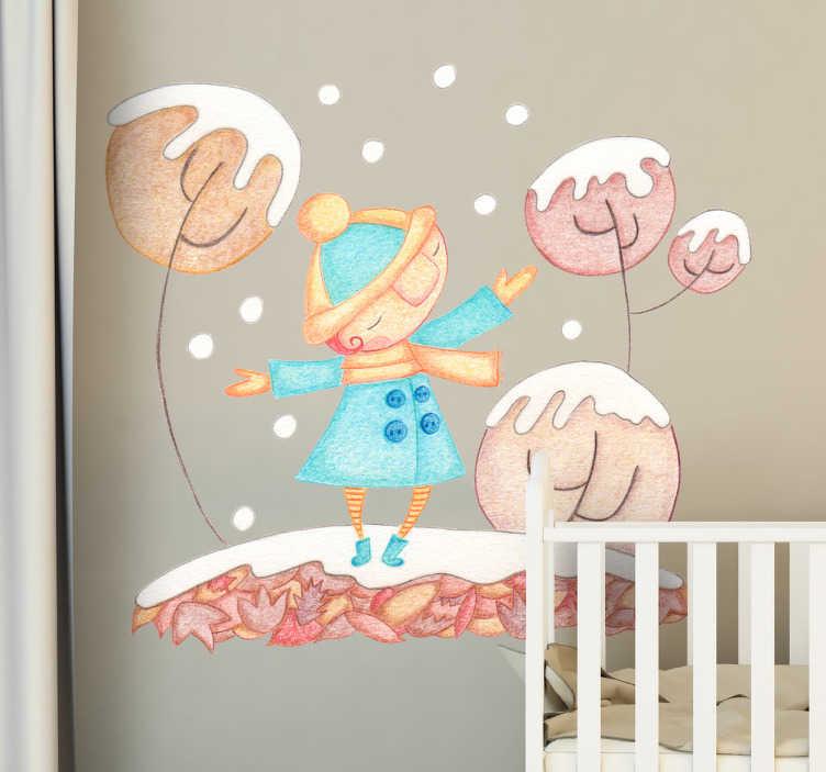 TenStickers. Wandtattoo Mädchen im Schnee. Kinderzimmer Wandtattoo im Design einer Zeichnung mit Buntstiften. Es zeigt einen kleinen Jungen, der fröhlich in einer Winterlandschaft spielt.
