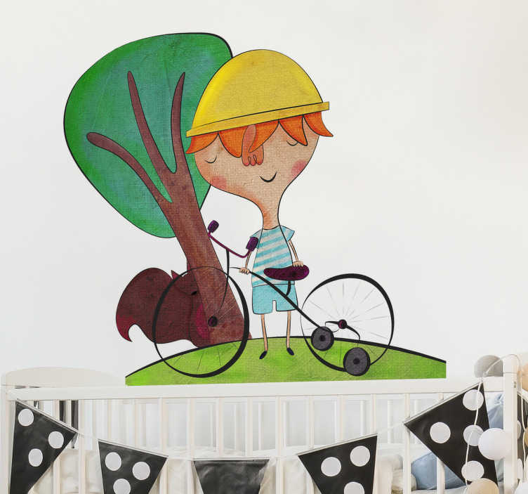 TenStickers. 자전거를 타는 소년 스티커. 나무 근처 그의 자전거에 모험 소년의 bonita 델 노르 테에 의해 원래 그림.