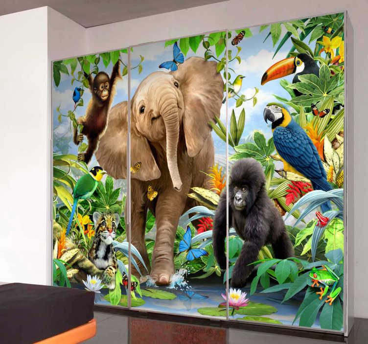 TenStickers. Naklejka zdjęcie dżungla. Przyciągająca uwagę naklejka na ścianę w formie zdjęcia. Fotografia przedstawia dżunglę z jej mieszkańcami: słoniem, gorylem, małpą oraz innymi ptakami.