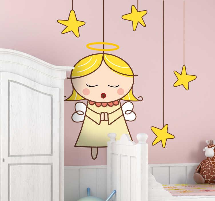 TenStickers. Engle og stjerne klistermærke. Sødt dekorativt engle og stjerne klistermærke. Motiv af sovende engel omringet af stjerner. Perfekt dekoration til børneværelset for de mindste.