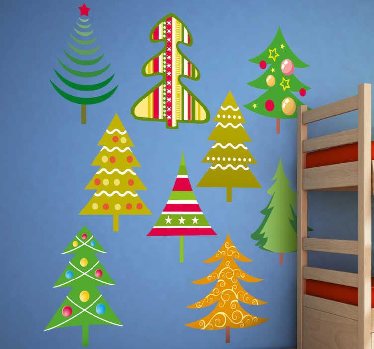 TenStickers. Naklejka kolekcja choinek. Kolekcja naklejek składająca się z dziewięciu choinek bożonarodzeniowych z różnymi dekoracjami. Idealne rozwiązanie na stworzenie świątecznego nastroju.