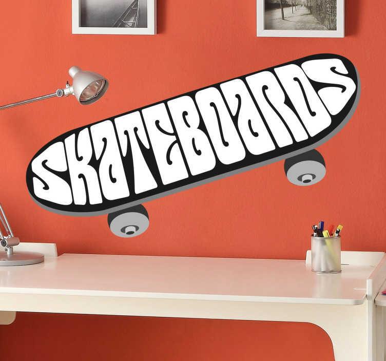 TenStickers. Naklejka deskorolka. Rewelacyjna naklejka dekoracyjna przedstawiająca deskorolkę z napisem 'skateboards' dla wszystkich fanów skateboardingu! Świetnie sprawdzi się w pokoju chłopięcym.