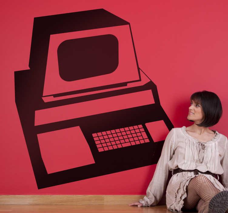 TenStickers. Ouderwetste computer. Muursticker met een afbeelding van een grote ouderwetse computer uit de 80 jaren! Toen hadden we nog geen smartphones, laptops en tablets.