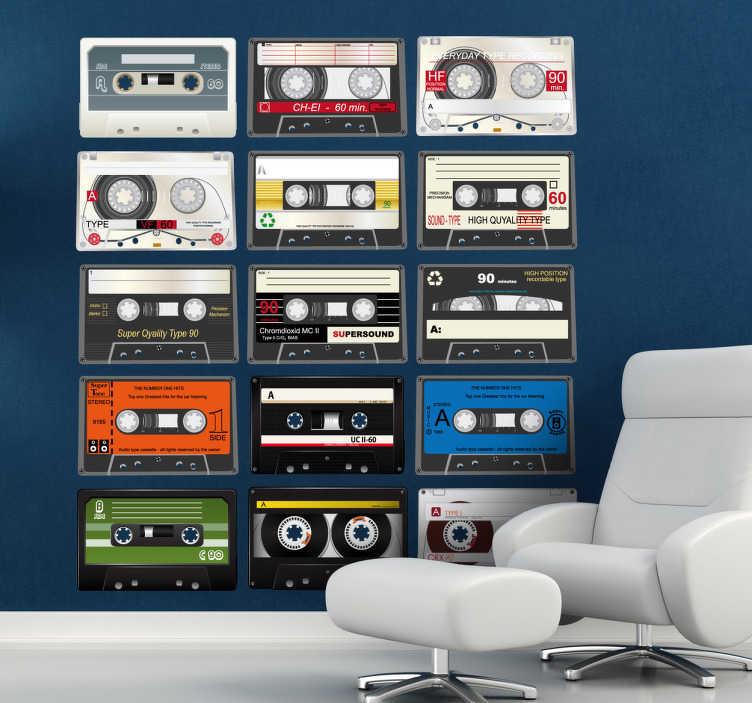 TenStickers. 카세트 테이프 컬렉션 스티커. 몇 가지 클래식 카세트를 갖춘 음악 벽 스티커 컬렉션에서 카세트 데칼을 사용하여 벽을 빈티지하게 보이게하십시오.