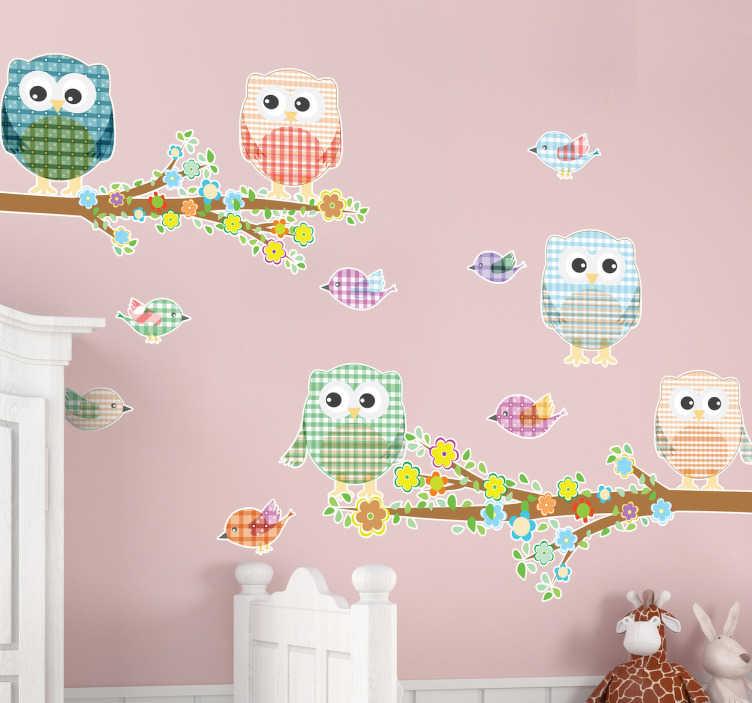 TenStickers. Naklejka na ścianę kolorowe ptaki. Kolekcja naklejek na ścianę składająca się z kolorowych, wzorzystych ptaków oraz dwóch drzew.*Podane wymiary dotyczą wszystkich razem naklejek.