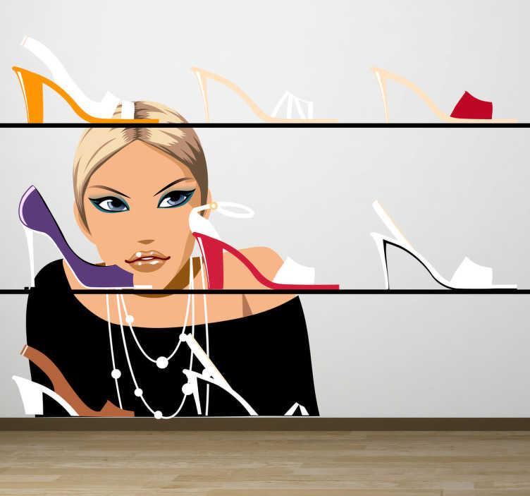 TenStickers. Naklejka sklep obuwniczy. Naklejka dekoracyjna przedstawiająca witrynę sklepową z eleganckimi szpilkami, w które wpatruje się kobieta. Idealna dekoracja do sklepów obuwniczych.