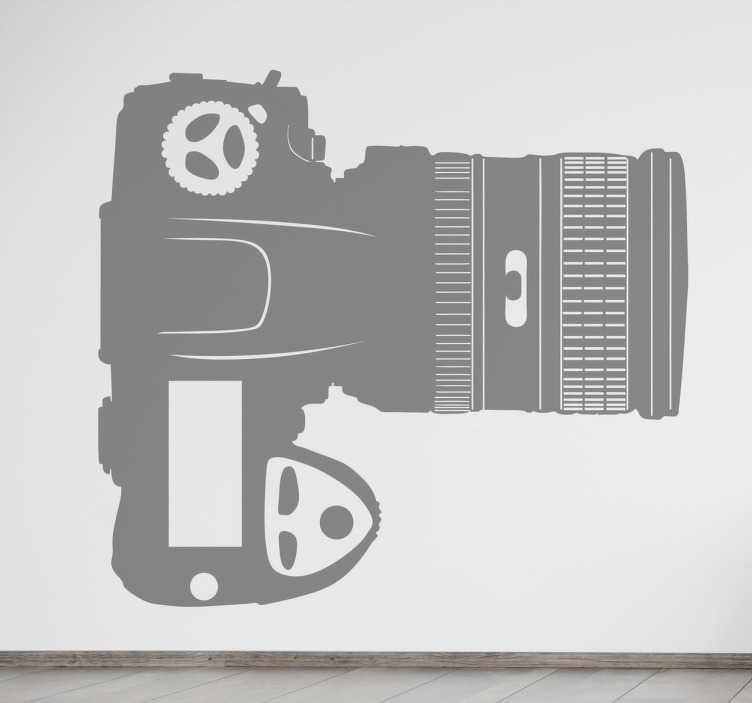 TenStickers. Naklejka lustrzanka z lotu ptaka. Prosty wzór przedstawiający profesjonalny aparat fotograficzny z dużym obiektywem, który widzimy z góry. Wybierz kolor, rozmiar i dekoruj wnętrza, w którym przebywają fanatycy fotografii.