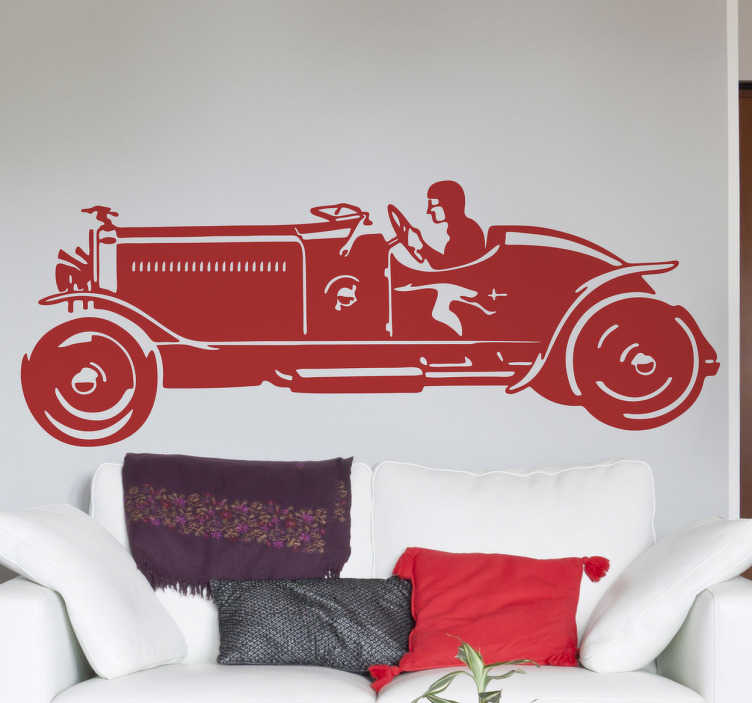 TenStickers. 빈티지 레이싱 카 장식 데칼. 이 벽 스티커는 20 세기 초의 유명하고 성공적인 레이싱 카 모델의 디자인을 보여줍니다.