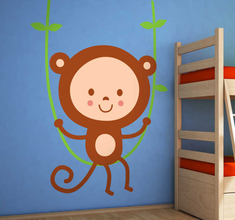 TenStickers. Sticker kinderkamer schommelen aap. Muursticker van een vrolijke chimpansee dat in de jungle op een liaan schommelt. Een prachtige wandsticker voor de decoratie van de kinderkamer.