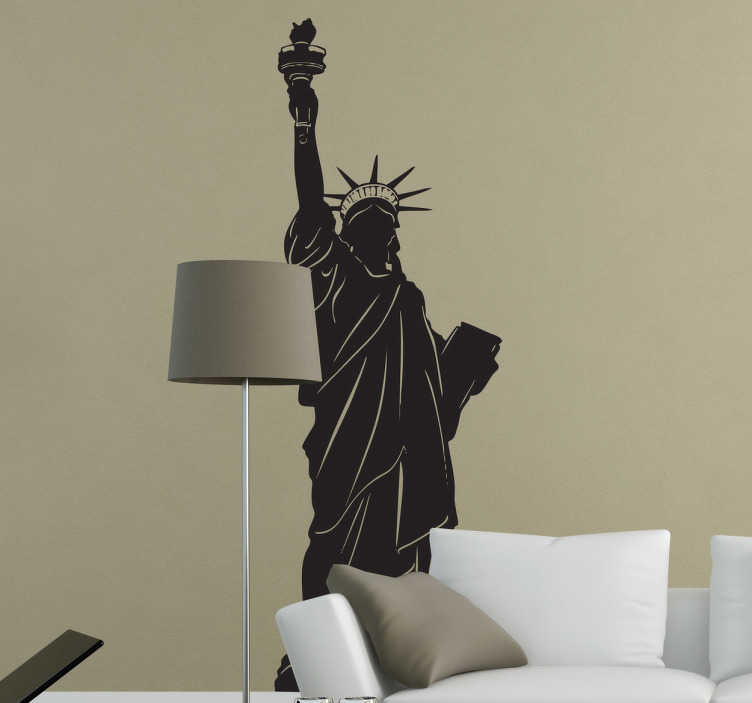 TenStickers. 자유의 여신상 뉴욕 데칼. 이 자유로운 실루엣 데칼의 장엄한 동상으로 집안의 벽을 장식하십시오. 거실, 침실 또는 집안의 다른 방에 뉴욕을 가져 오십시오!