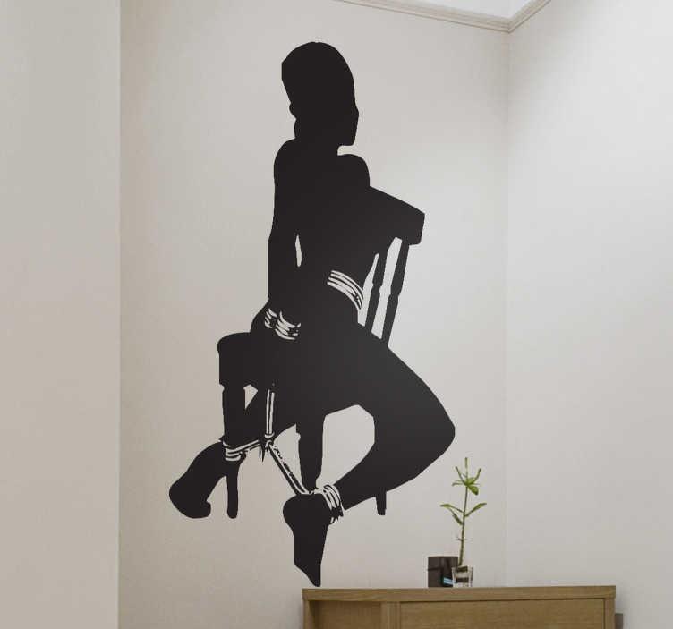 TenStickers. Autocollant mural dominatrice. Stickers mural représentant une femme en sous-vêtements, attachée avec des menottes sur une chaise.Personnalisez et adaptez le stickers à votre surface en sélectionnant les dimensions de votre choix.