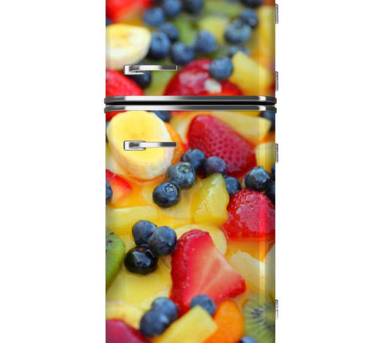 TenStickers. Sticker decorativo mix frutti di bosco. Adesivo decorativo che raffigura un colorito e rinfrescante mix di frutta. Personalizza il tuo frigorifero.*Indicaci le misure di base e altezza del tuo frigorifero, così da permetterci di adattare il design alle tue necessità.