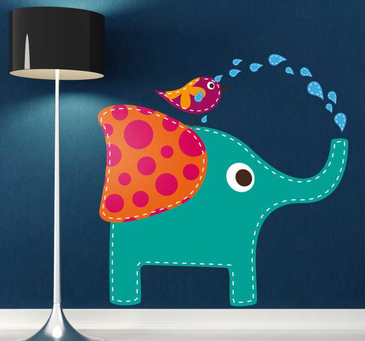 TenStickers. 浇水鸟大象墙贴纸. 这个友好和原始的大象墙贴显示了一只可爱的大象在一只小鸟上喷洒水。它是我们的大象墙贴系列的一部分,是装饰您孩子的卧室的理想选择。