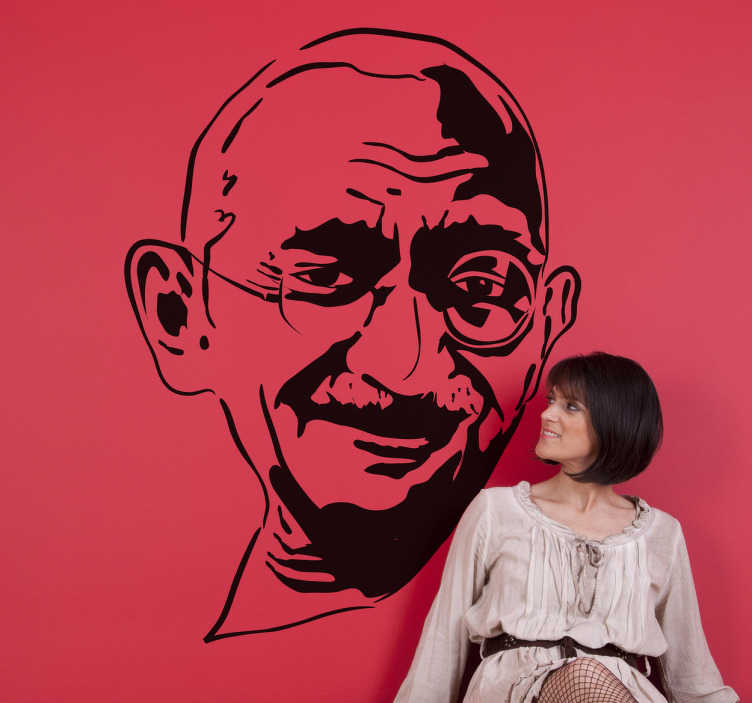 TenStickers. Adesivo murale volto Gandhi. Wall sticker che raffigura il viso di uno dei piú grandi pacifisti della storia. Una decorazione originale per il soggiorno o la camera da letto.