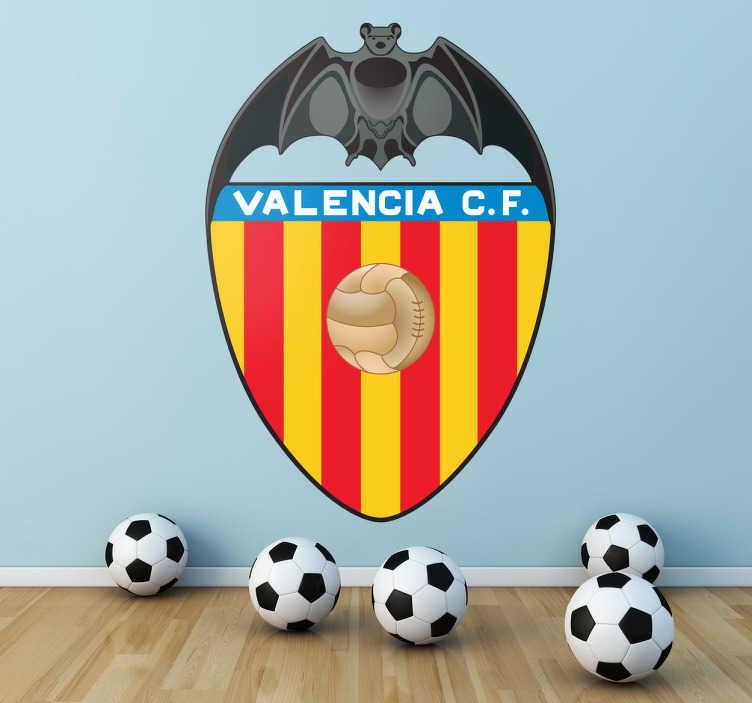Tenstickers. Valencia cf fotbollsklubb vardagsrum väggdekoration. Valencia cf är en spansk fotbollsklubb med mycket historia och framgång i det förflutna. Visa ditt stöd med denna fantastiska logotypdekal.